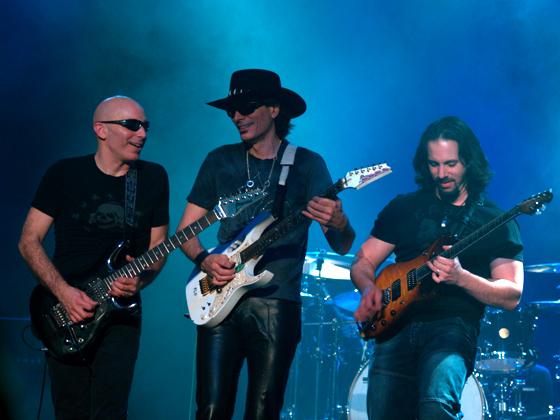 G3_-_Joe_Satriani,_Steve_Vai_&_John_Petrucci