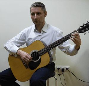 Klasikinis gitaros laikymo budas-2